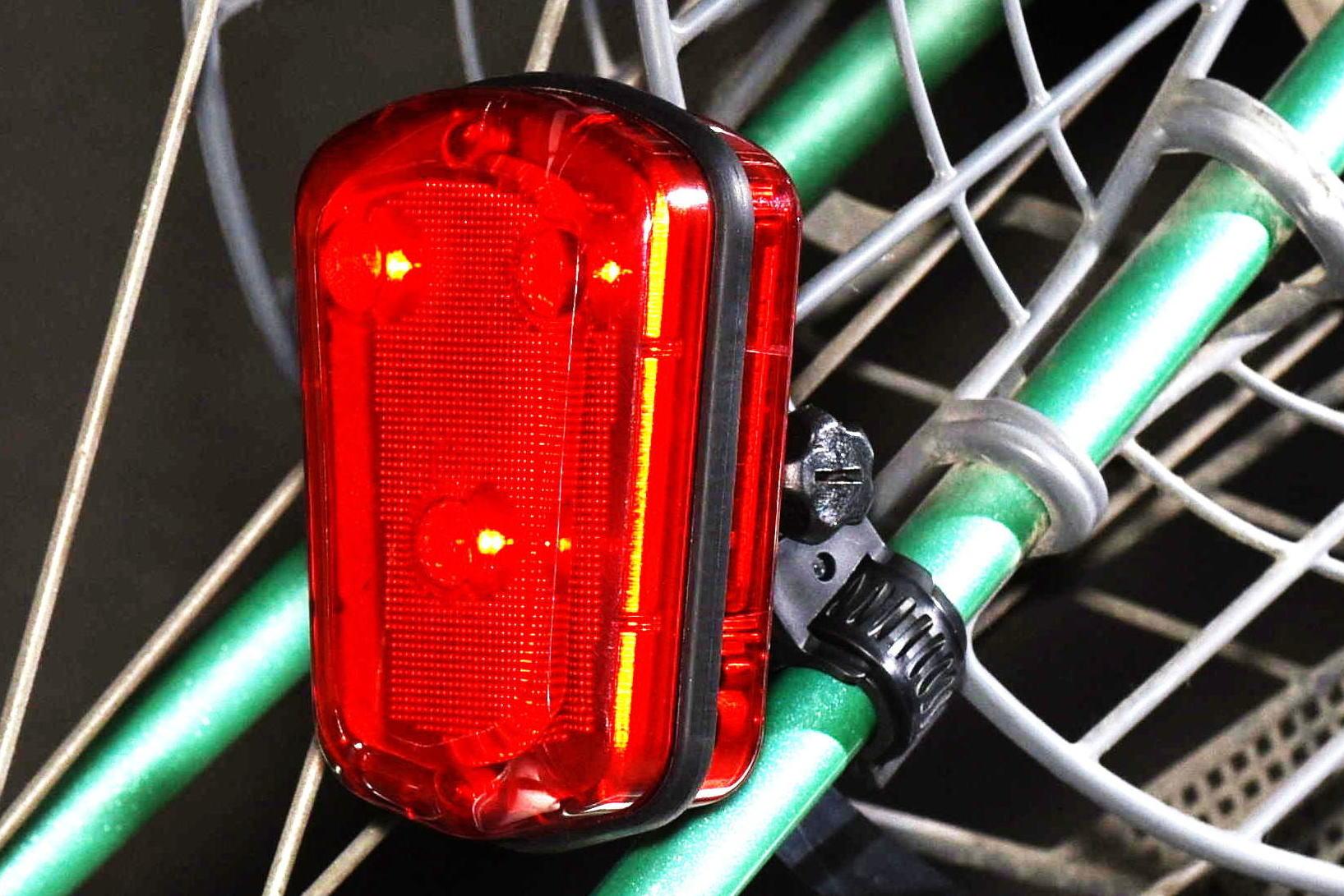 新製品 自転車用防犯ブザー付テールライト「お知らせテントウくん」